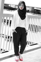 black pants - white blazer - red flats