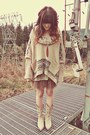 Off-white-durango-boots-beige-free-people-sweater-brown-minx-shop-necklace