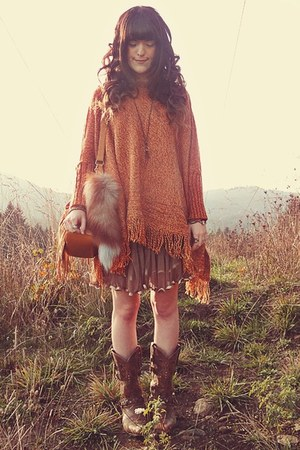 tawny Chicwish sweater - brown Durango boots - light orange Shop Lately bag