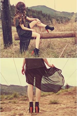 black romwe skirt - black Jeffrey Campbell boots - black Forever 21 shirt