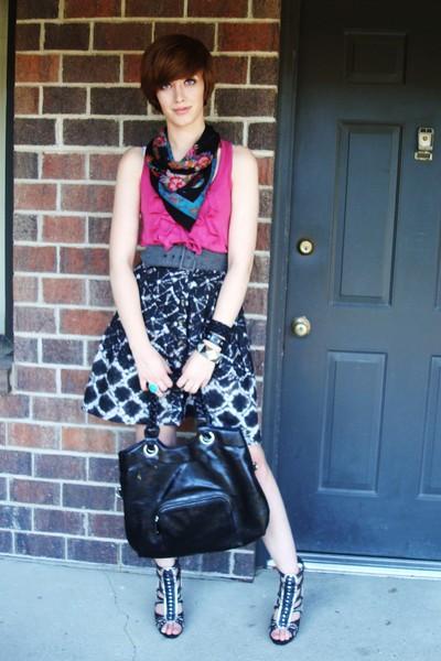 Express t-shirt - Thakoon for Target skirt - Express purse - Bakers shoes - vint