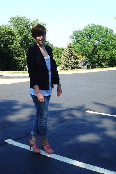blazer - Express jeans - Express t-shirt - GoJane shoes - vintage necklace