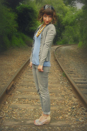 gray Wet Seal jeans - blue Self Made top - gray New York &amp; Co cardigan - beige t