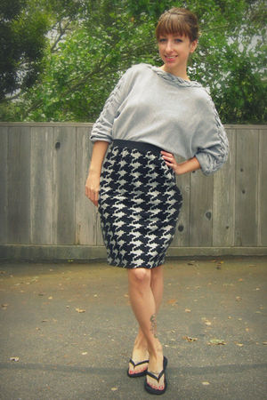 gray thrifted from Crossroads sweater - gray Self Made skirt - black Reef shoes