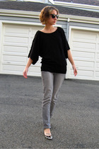black H&M top - gray Wet Seal pants - gray Forever 21 shoes - gold