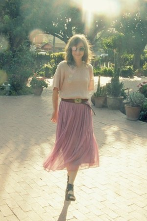 pink no brand skirt - silver thrifted vintage belt - light pink H&M top