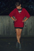 red New York & Co sweater - black Ebay t-shirt - black Hurley shorts - gray Jour
