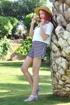 beige canotier vintage hat - white OASAP shirt - black plaid Tara Jarmon shorts