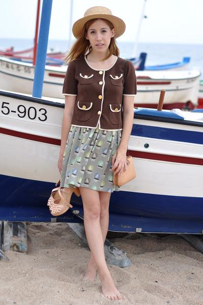 olive green boat sailor Orla Kiely skirt - beige straw vintage hat
