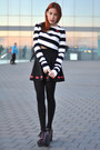 White-striped-choies-top-black-red-lips-brownie-skirt