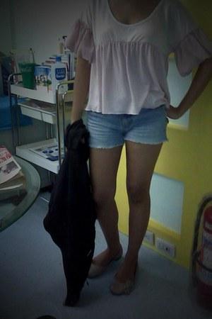 top - shorts - flats