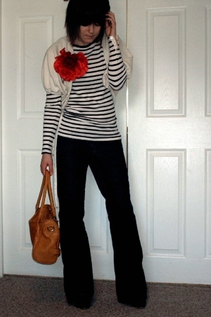 red flower H & M accessories - blue Express jeans