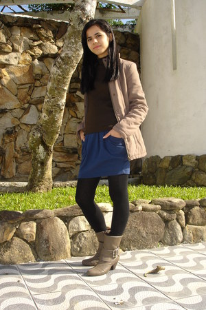 light brown boots - light brown coat - brown sweater - black tights - navy skirt