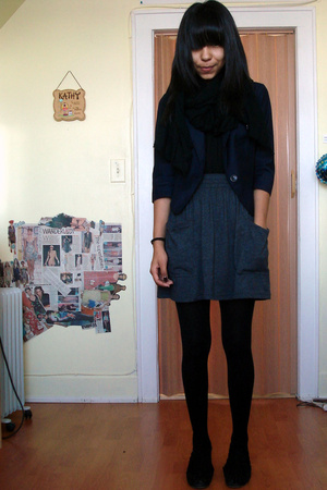 lux uo blazer - American Eagle blouse - American Apparel skirt - Bakers shoes -