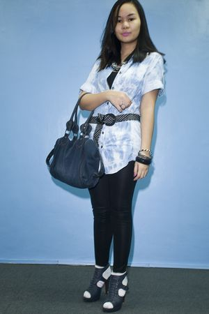 blue mums closet top - black Zara top - black People are People leggings - blue
