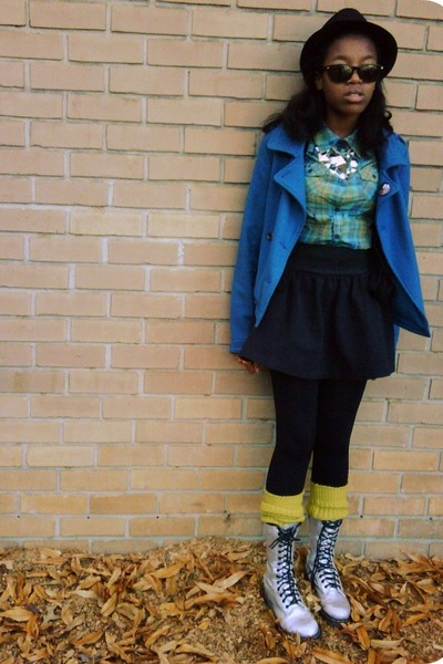 63470980308d0 blue Old Navy coat - turquoise blue Mudd blouse - black Macys skirt - olive  gree