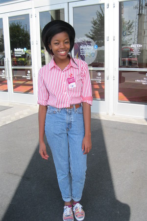 coral striped thrifted blouse - sky blue Levis jeans - magenta Forever21 socks