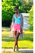 aquamarine cotton top - bubble gum romantic H&M shorts - tan leather sandals