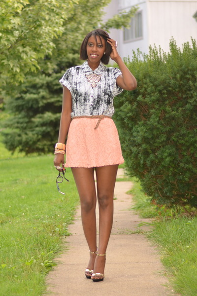 peach lace Charlotte Russe skirt - white black and white Forever 21 shirt