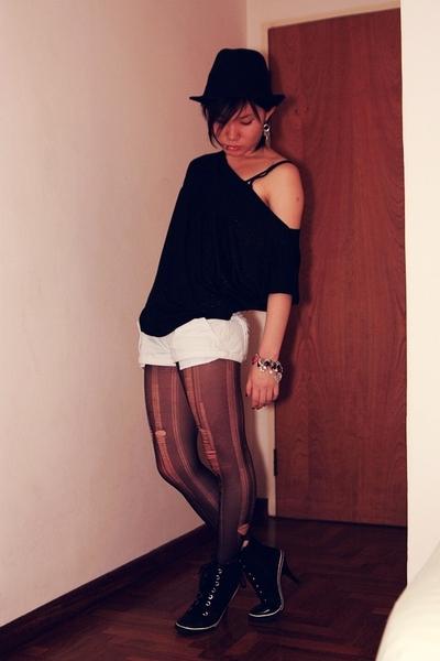 Forever21 hat - Mphosis top - Fox shorts - stockings - gojanecom shoes - bracele