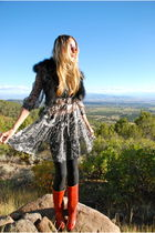 black fur scarf - red Frye boots - gray Urban Outfitters dress