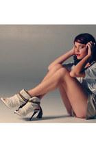 eggshell Kathryn Amberleigh heels