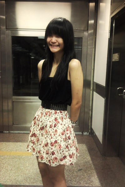 black top - black belt - skirt - white bracelet - white bracelet - white socks
