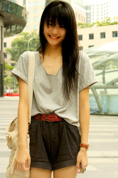 black shorts - gray shirt - red belt - beige bag