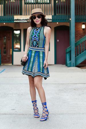 Torn dress - Schutz heels