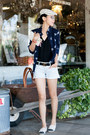 Chanel-belt-alice-olivia-shirt-ray-ban-sunglasses-chanel-flats