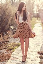 nude romwe skirt - black GoodNight Macaroon necklace - peach Blowfish wedges