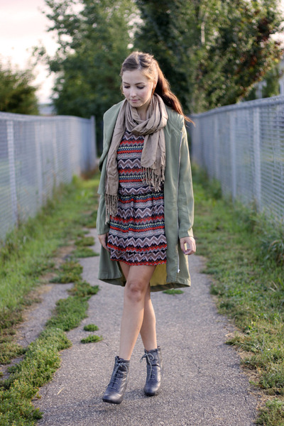 heather gray Forever 21 boots - ianywear dress