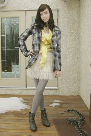 white Forever 21 skirt - gray Forever 21 boots - gold le chateau top - gray made