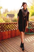 dark brown girlfriends material sweater - black romwe boots