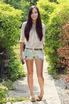 ivory Forever 21 shorts - brown goodkoop bag - eggshell shopakira blouse