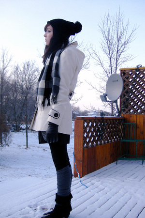 white rickis jacket - black le chateau hat - gray American Apparel socks