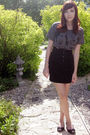 Black-wet-seal-skirt-gray-hot-topic-shirt