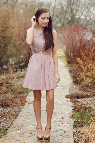 light pink miss patina dress - bubble gum Beatniq earrings