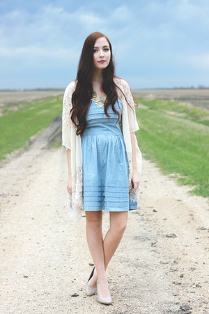 merrin & gussy necklace - light blue BB Dakota dress - off white LuLus cardigan
