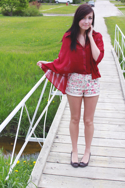 red Forever 21 shorts - ruby red wwwromwecom romwe top