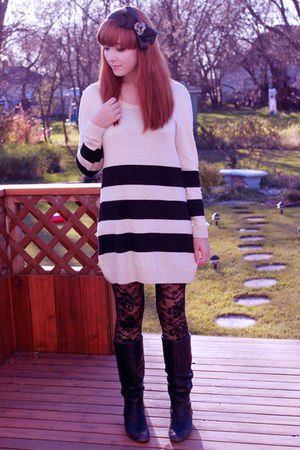 black Forever 21 tights - black H&M sweater - black Icing accessories