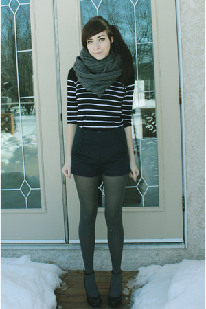 gray joe fresh style scarf - black H&M sweater - navy wwwromwecom romwe shorts