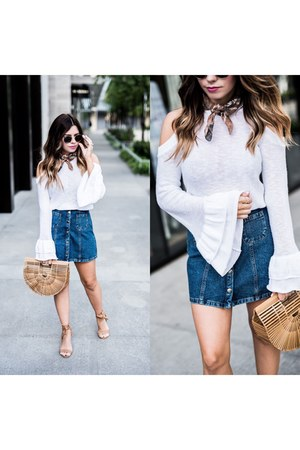 white bell sleeve top Express top