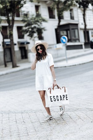 white bag bag