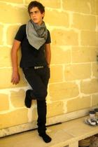black Levis Vintage Collection jeans - black Zara belt - gray pull&bear scarf -