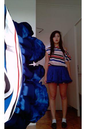 blue Topshop skirt - white H&M top - brown vintage shoes - white Primark socks