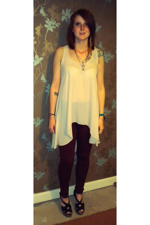 cream River Island top - crimson crimped sides River Island leggings