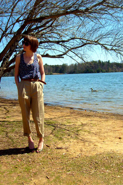 blue Gap top - brown thrifted belt - beige thrifted pants - green gianni bini sh