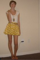 white Forever 21 top - brown Nine West shoes - gold Forever 21 necklace
