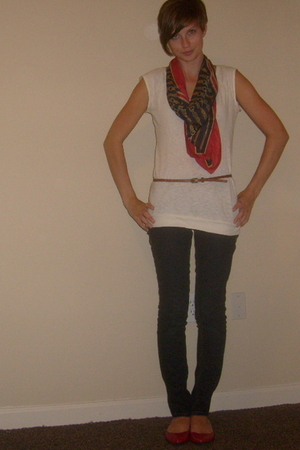 forever 21 shirt - vintage scarf - Urban Outfitters belt - jeans - Aldo shoes